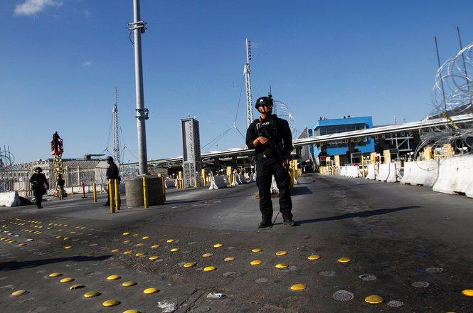 Cahana_border stop