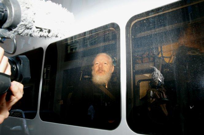 Assange_arrest