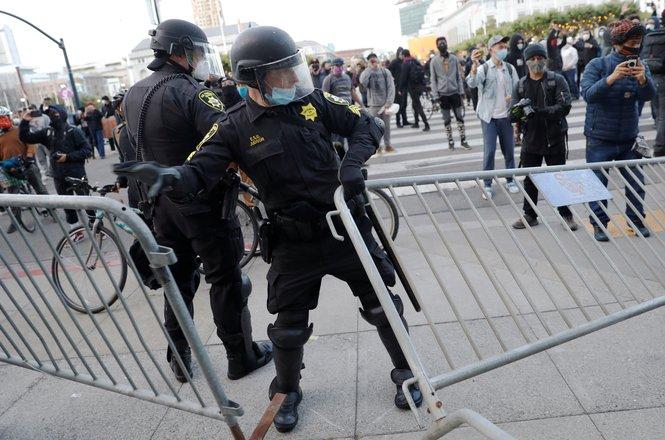 Casteneda_arrest_0531_SF.JPG