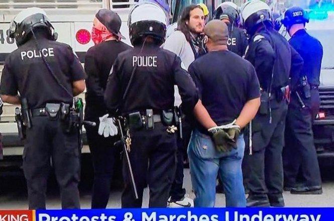 Weiss_arrest_CA_0601