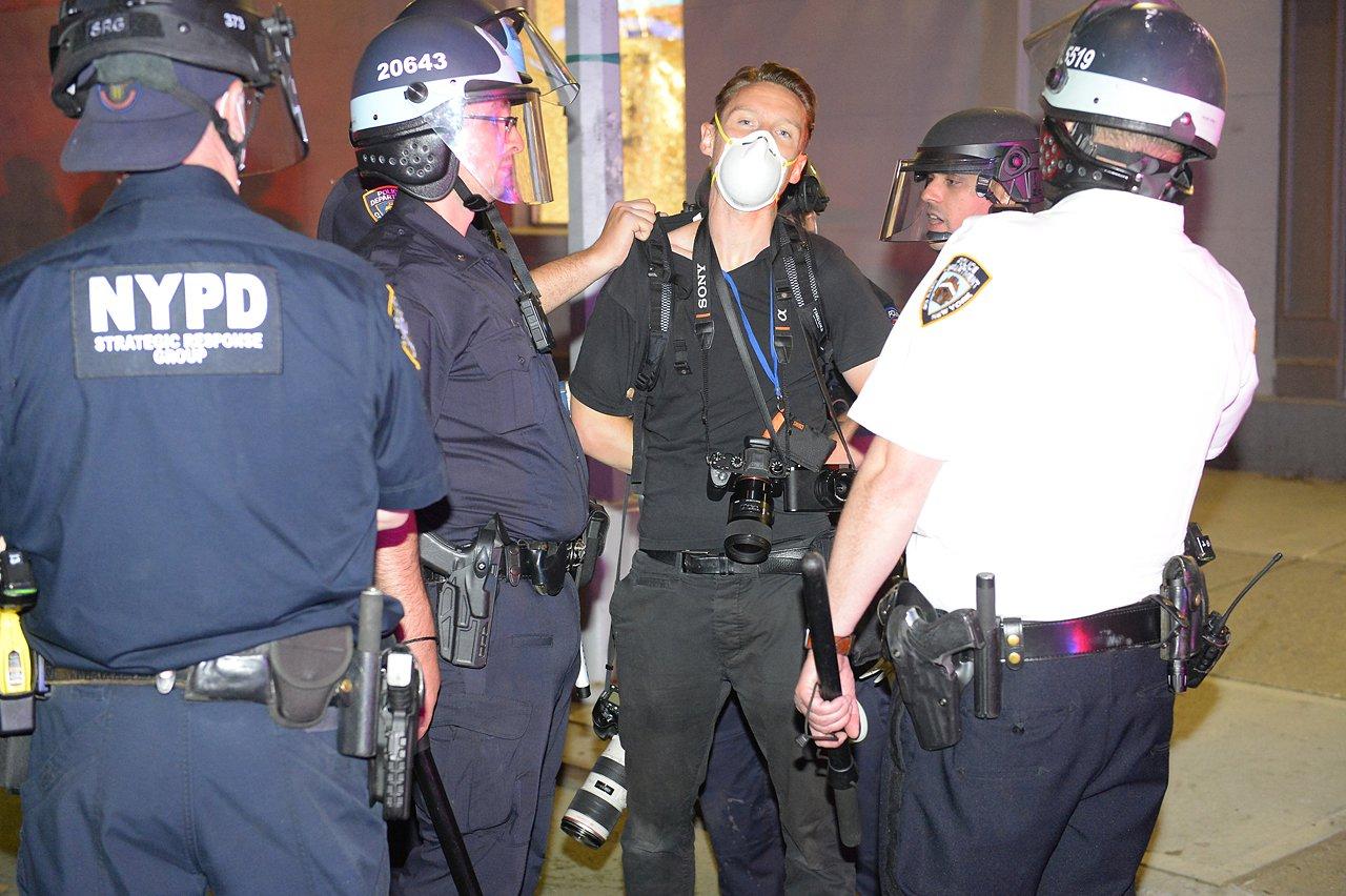 arrest_gray_0530_floyd.jpg